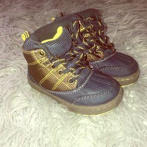 OshKosh B'Gosh infant boys boots